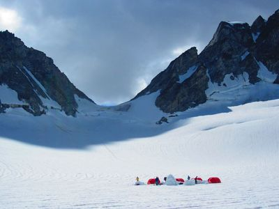 After rapelling over the bergshrund, we established camp and built an igloo on the Parallel glacier, photo Alice Hill